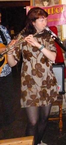 Hannah at a FiddleBop gig